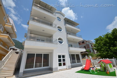 Apartments Vojvodic Star I B, Herceg Novi, Montenegro - photo 1