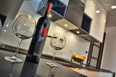 Appartementen Modern sea and mountain view apartment in Budva, Budva, Montenegro - foto 6