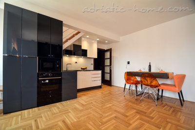 Appartementen Modern sea and mountain view apartment in Budva, Budva, Montenegro - foto 4