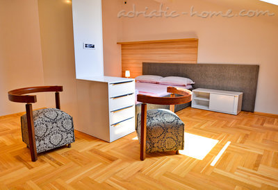 Appartementen Modern sea and mountain view apartment in Budva, Budva, Montenegro - foto 10