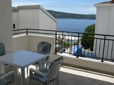 Apartments JELENA Galeb, Herceg Novi, Montenegro - photo 2