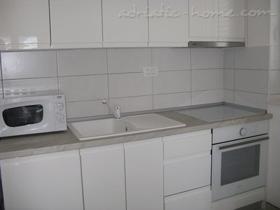 Apartments JELENA Galeb, Herceg Novi, Montenegro - photo 7