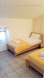 Appartementen GREGOVIC M&M 6-bed, Petrovac, Montenegro - foto 11