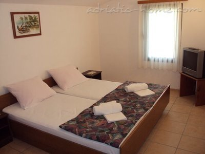 Appartementen GREGOVIC II M&M 3-bed, Petrovac, Montenegro - foto 4