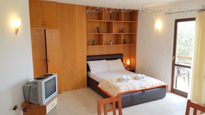 Appartamenti Gregovic III M&M 4-bed, Petrovac, Montenegro - foto 1