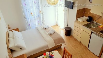 Appartamenti Gregovic M&M IV 2-bed, Petrovac, Montenegro - foto 2