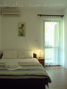 Rooms Gregovic M&M 2-bed, Petrovac, Montenegro - photo 2