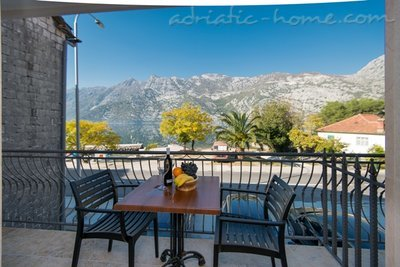 Studio apartment Marija, Risan, Montenegro - photo 8