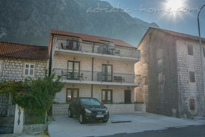 Studio apartment Marija, Risan, Montenegro - photo 9