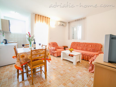 Apartments Androvic 4, Petrovac, Montenegro - photo 1