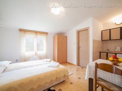 Studio apartment  Androvic  5, Buljarica, Montenegro - photo 1