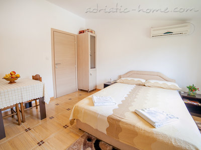 Studio apartment  Androvic  5, Buljarica, Montenegro - photo 5