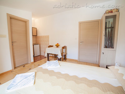 Studio apartment  Androvic  5, Buljarica, Montenegro - photo 6