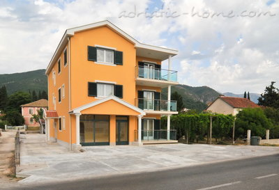 Apartments Apartmani Borozan, Tivat, Montenegro - photo 5