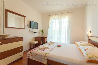 Apartments Slavica Strazicic VIII, Mljet, Croatia - photo 3