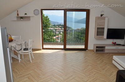 Apartments Beautiful sea view apartment, Herceg Novi, Montenegro - photo 2
