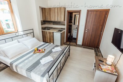 Rooms Novi Apartmani Belvedere, Herceg Novi, Montenegro - photo 4