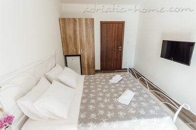 Rooms Novi Apartmani Belvedere, Herceg Novi, Montenegro - photo 3