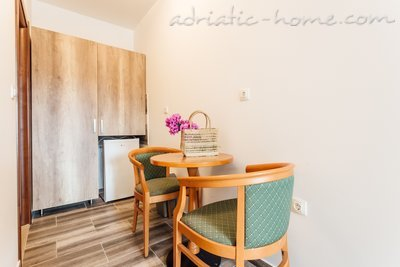 Rooms Novi Apartmani Belvedere, Herceg Novi, Montenegro - photo 6