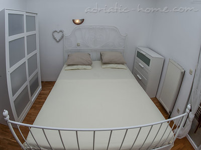 Apartments Sylvie A4+1, Trogir, Croatia - photo 4