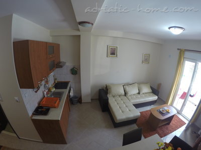 Studio apartment SARA, Herceg Novi, Montenegro - photo 2