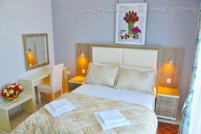 Apartments Ambassador III, Ulcinj, Montenegro - photo 4