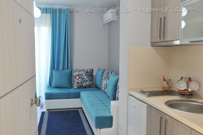 Apartments Ambassador II, Ulcinj, Montenegro - photo 4