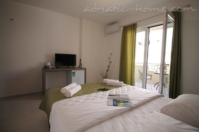 Rooms Le Marc Guesthouse, Budva, Montenegro - photo 2