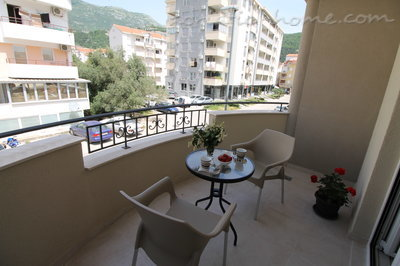 Rooms Le Marc Guesthouse, Budva, Montenegro - photo 3