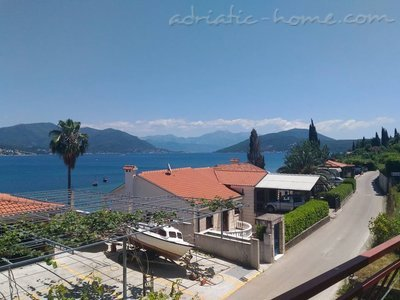 Apartments Maric, Herceg Novi, Montenegro - photo 1
