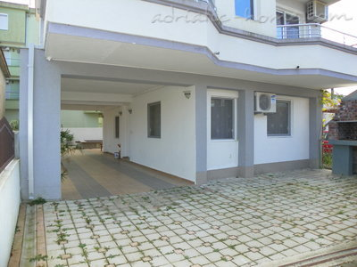 Apartments Rejan, Ulcinj, Montenegro - photo 2