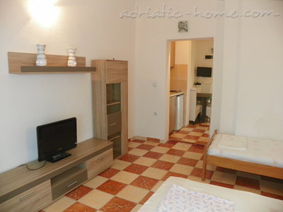 Apartments Rejan, Ulcinj, Montenegro - photo 9