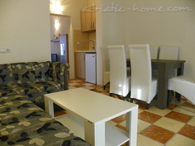 Apartments Rejan, Ulcinj, Montenegro - photo 10