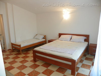 Apartments Rejan, Ulcinj, Montenegro - photo 3