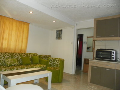Apartments Rejan, Ulcinj, Montenegro - photo 4