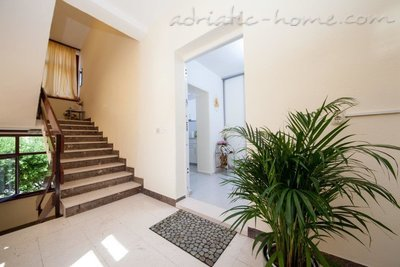 Studio apartment Matić A2, Makarska, Croatia - photo 2