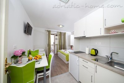 Studio apartment Matić A2, Makarska, Croatia - photo 4