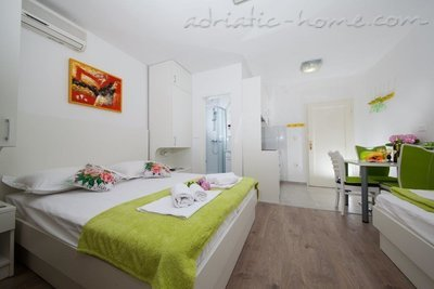 Studio apartment Matić A2, Makarska, Croatia - photo 5