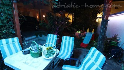 Sobe Flamingo 2 person double room with private bathroom, Makarska, Hrvatska - slika 10