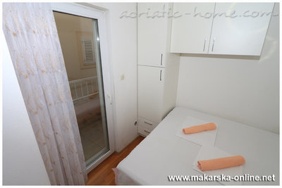 Apartments 2-4 person beach 100m, Makarska, Croatia - photo 9