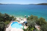 Apartments TOP LOCATION! SEA FRONT From 08.april-27.may 2017 breakfast included! - Apartment tip 2+2Split area , Trogir, Croatia